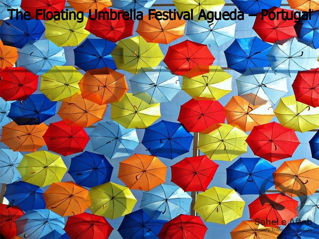 The-Floating-Umbrella-Festival-Agueda-–-Portugal1