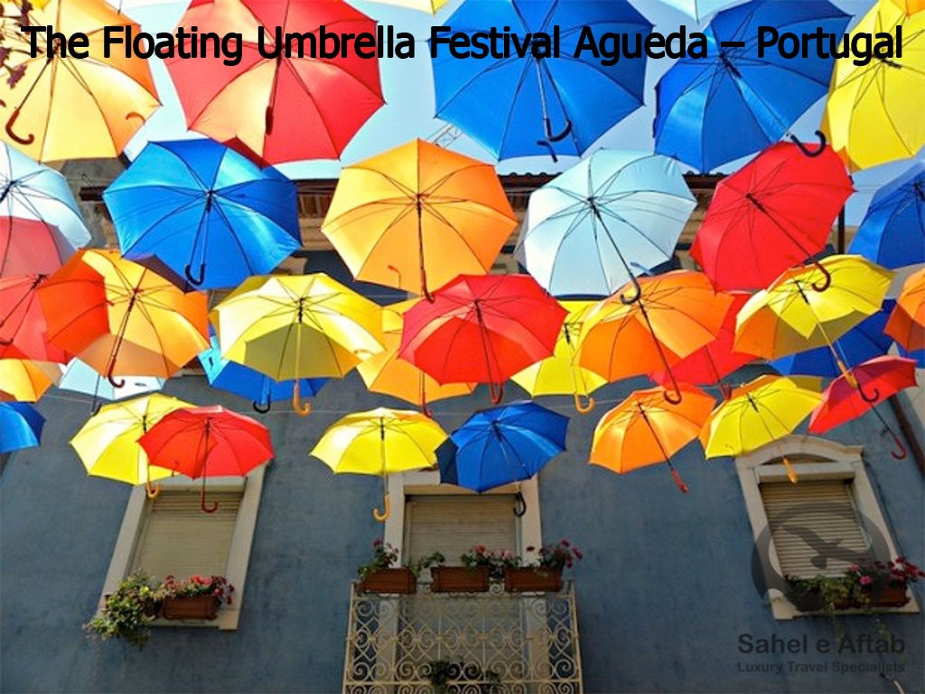 The-Floating-Umbrella-Festival-Agueda-–-Portugal2
