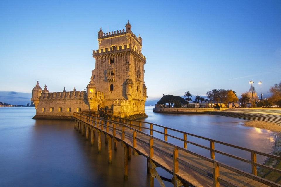 lisbon-belem-tower-AP-xlarge